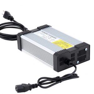 Бързо Зарядно за 48V Li-ion батерия 8А (13 клетки)
